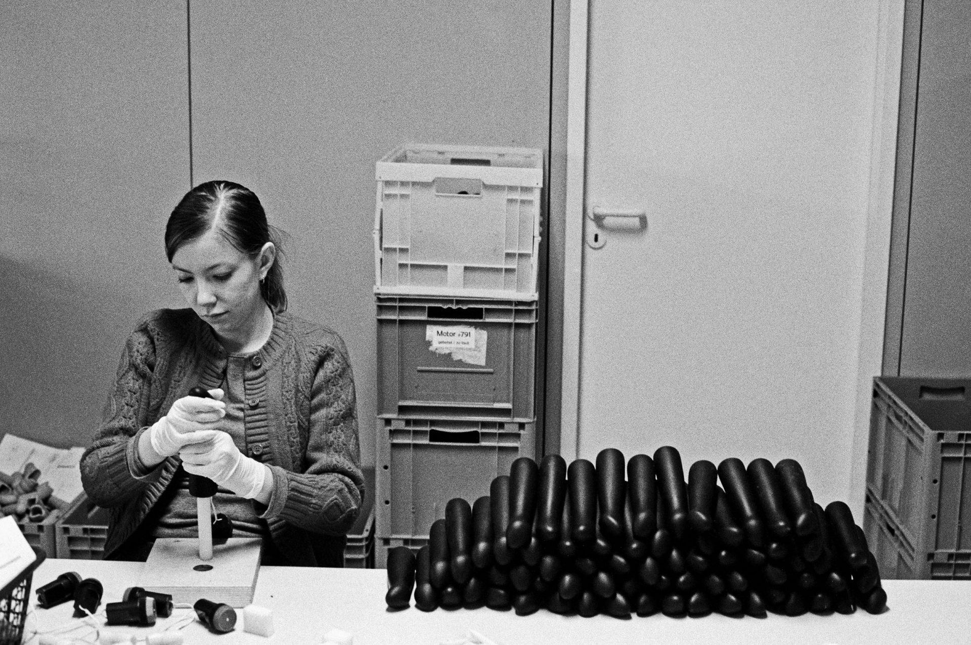fun factory herstellung von dildos foto julia baier 19.12.2001 (Life and Other Stories)